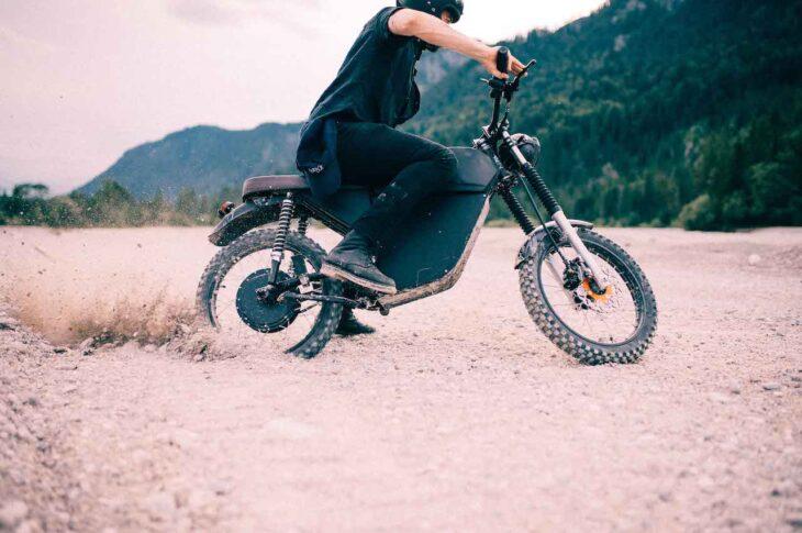 BLACKTEA Motorbikes - Electric Adventure Moped